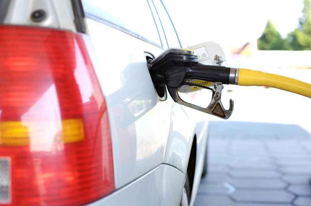 Redukcja emisji z oparów paliwa