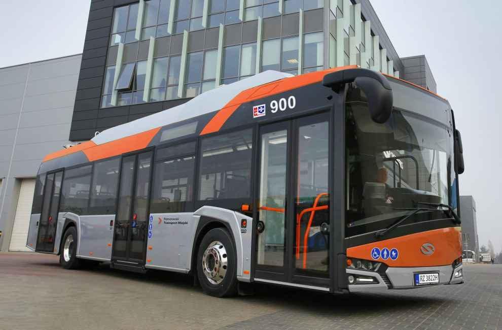 Autobusy elektryczne i konwencjonalne