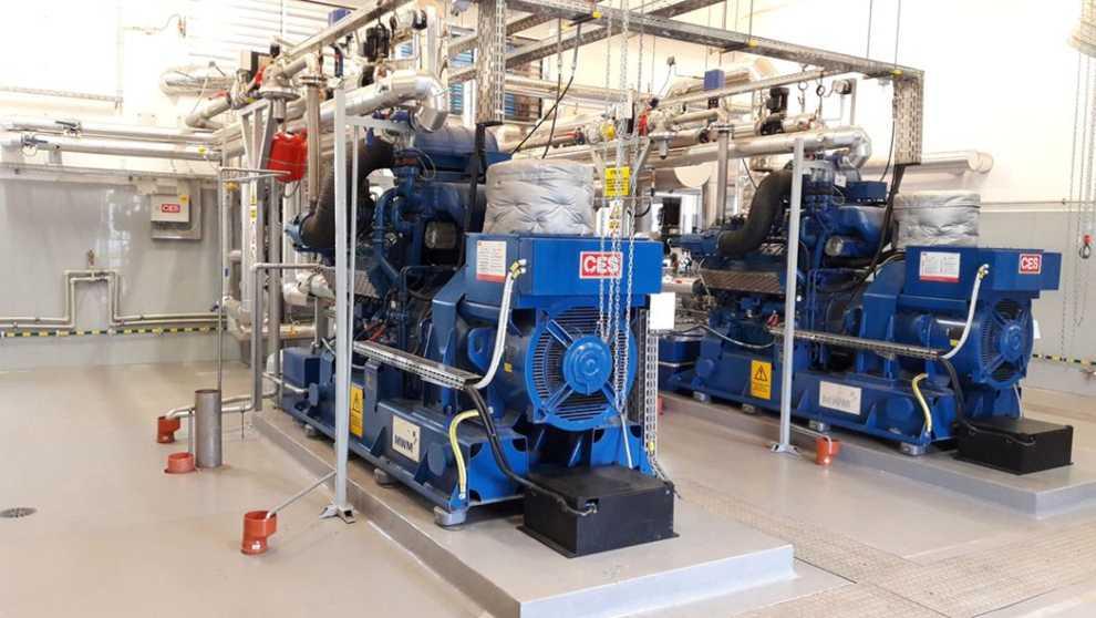Biogaz spalany jest w silnikach generujących energię elektryczną i cieplną