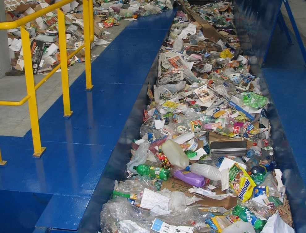 Zezwolenia na zbieranie i przetwarzanie odpadów