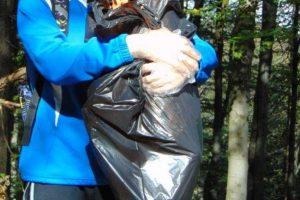 Sprzątają odpady z górskich szlaków