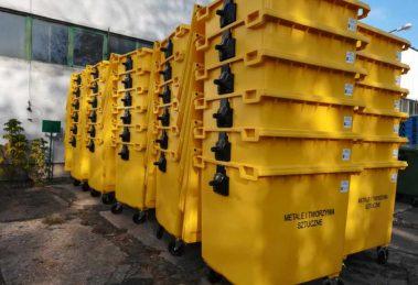 pojemników do selektywnej zbiórki odpadów