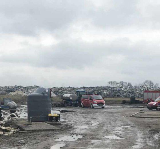 wojsko pomoże gasić pożar odpadów