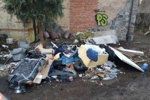 dzikie wysypisko odpadów