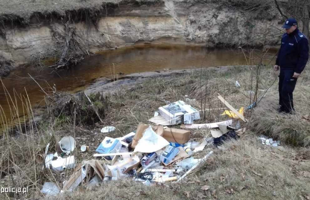 Dzikie wysypisko uprzątnięte