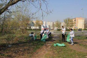 sprzątali odpady w Legnicy