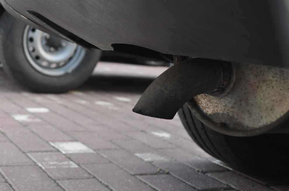 Badania emisji z samochodów
