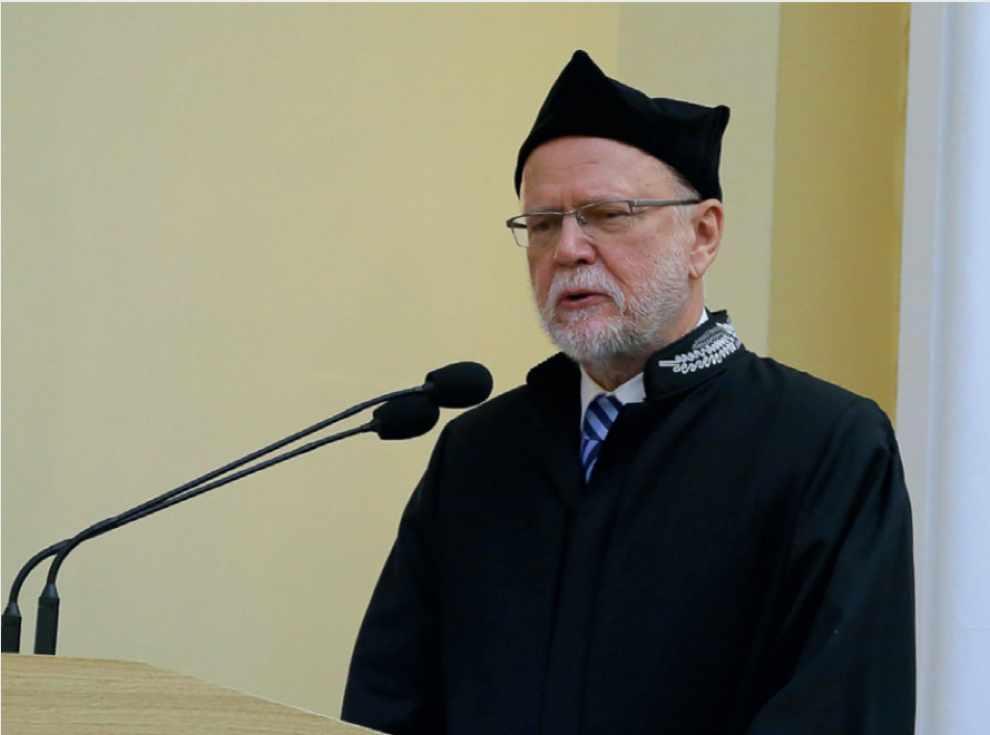 profesor Zbigniew W. Kundzewicz