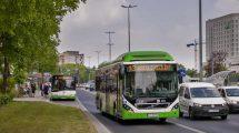 Dwa hybrydowe autobusy