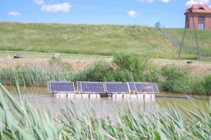 Panele fotowoltaiczne na wodzie