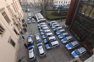 Hybrydowe samochody dla służb