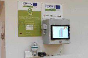 czujniki monitorujące jakość powietrza wewnętrznego