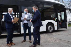 Autobus o napędzie elektrycznym