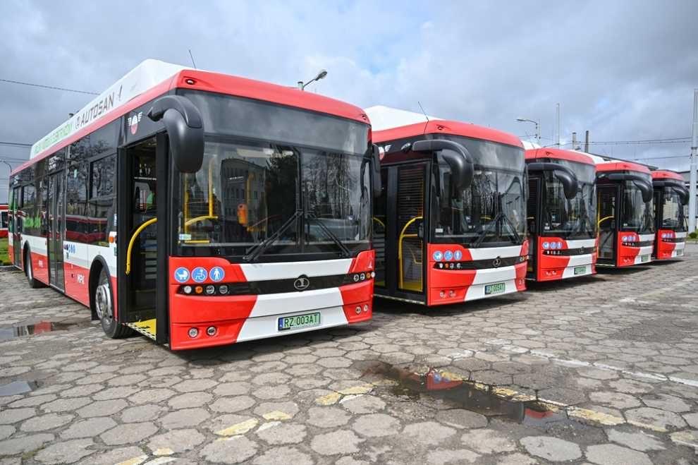W pełni elektryczne autobusy