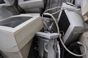 Dwa miesiące odbioru elektrośmieci